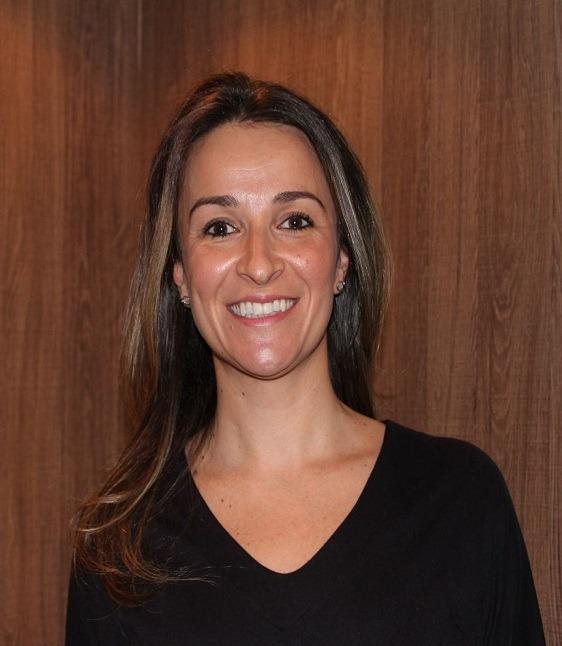 Dra. Cassiana Gil Prates